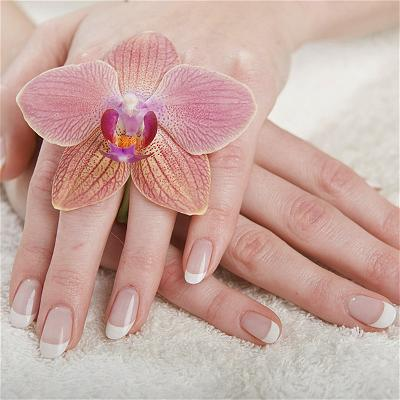 apple-nail-salon-custom-mani